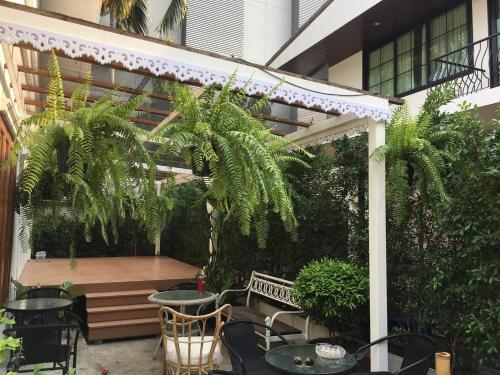 Villa Sook Kasem, Thon Buri