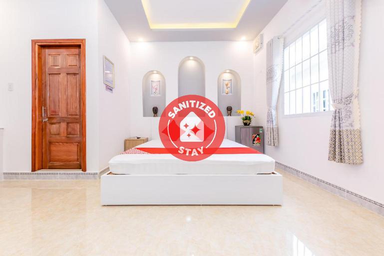 OYO 598 Peony Hotel, Cam Ranh