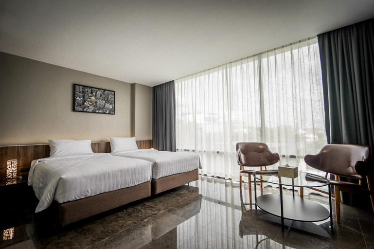 Onix Hotel Bangkok, Suan Luang