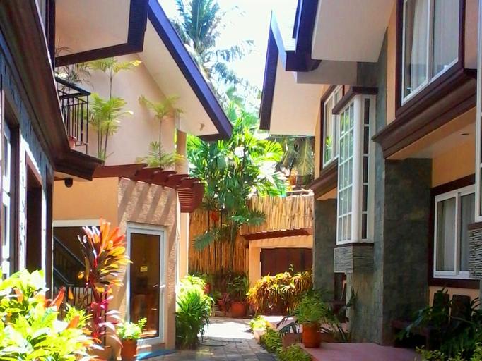 Sheridan Villas Boracay, Malay