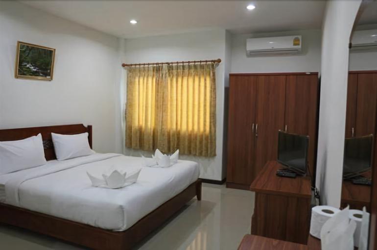De-Complex Apartment, Yang Talat