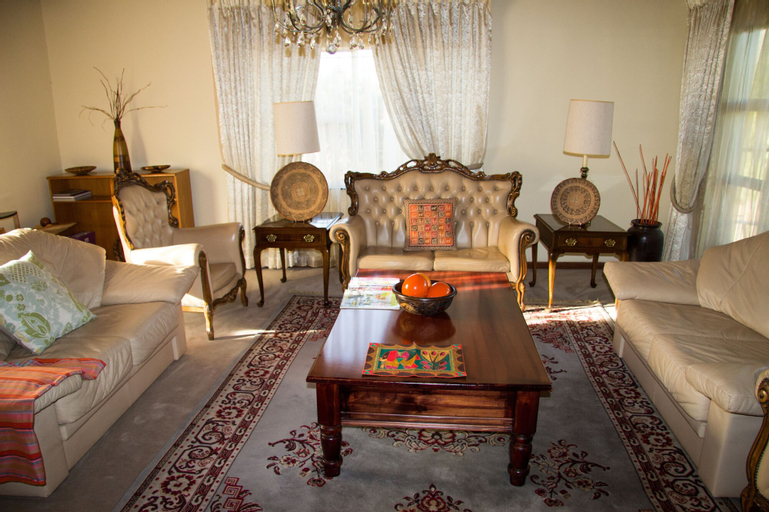 Phokeng Gardens Bed And Breakfast,