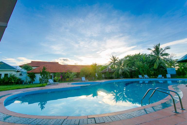 Capital O 1078 Sun & Sea Resort Hue, Phú Vang