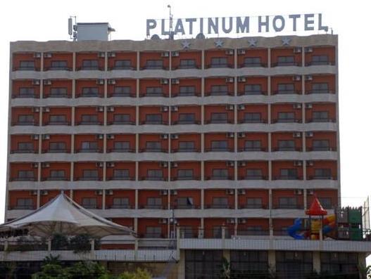 Platinum Hotel, Sour