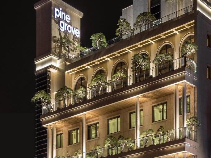 Pine Grove Hotel, Gimhae