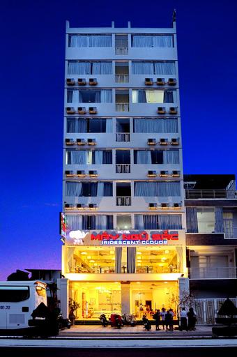 Iridescent Clouds Hotel, Nha Trang