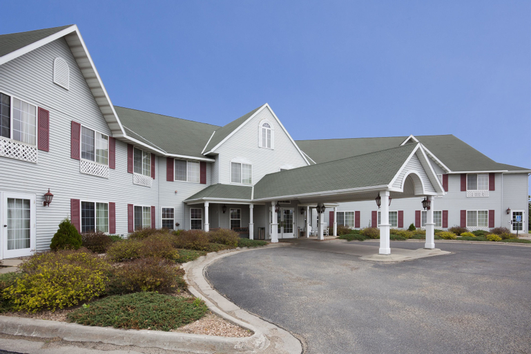 Crossings By Grandstay Inn And Suites, Chippewa