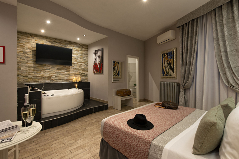 Five Rooms Rome, Roma