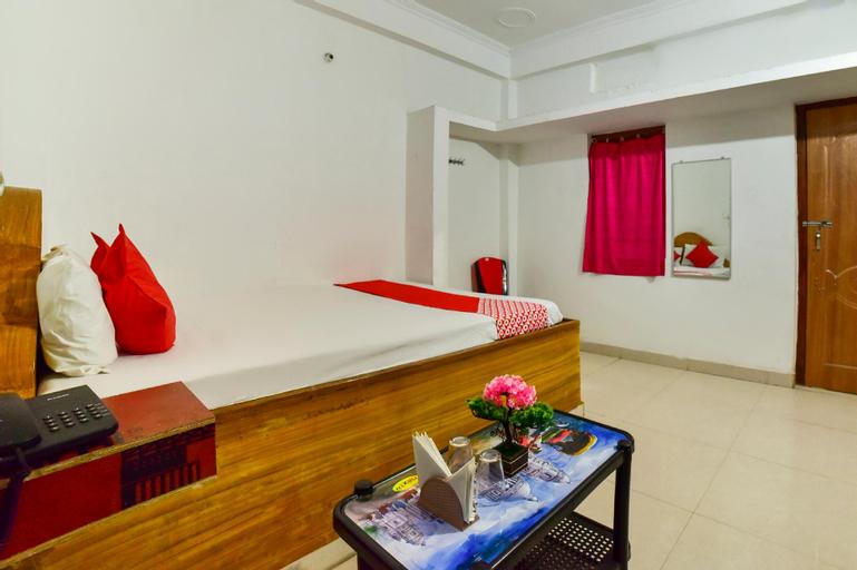 OYO 70010 Mamta Hotel, Saran