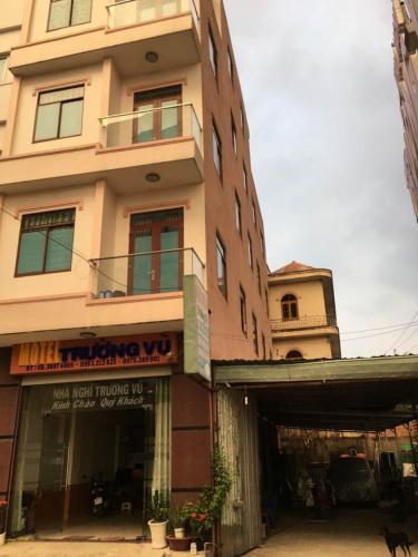 nha nghi truong vu, Thuận An