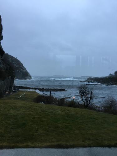 High end by the Ocean, Mandal