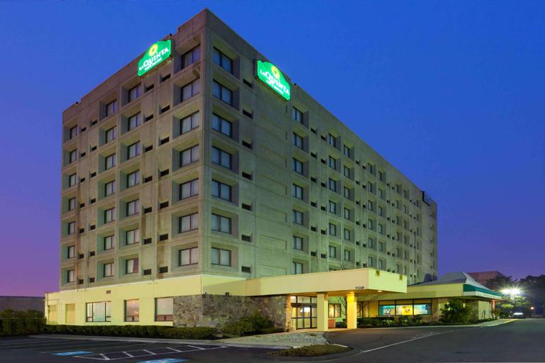 La Quinta Inn & Suites by Wyndham New Haven (Pet-friendly), New Haven