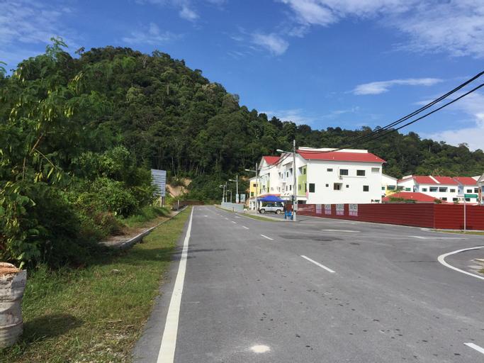 Monster Homes, Manjung