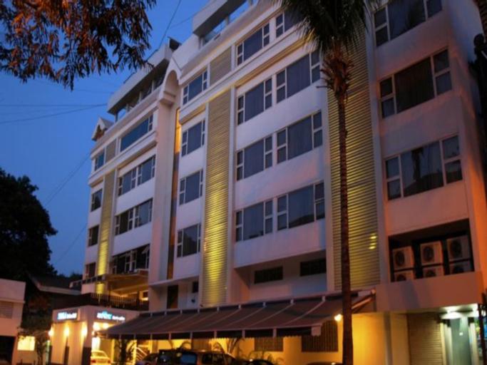 Kapila Business Hotel, Pune