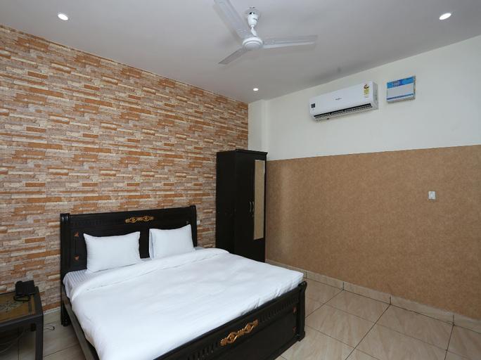 OYO 36021 Diamond Guest House, Faridabad