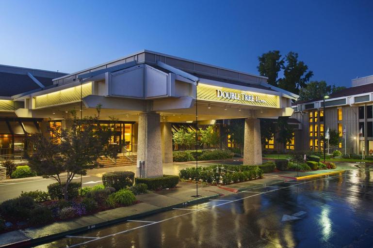 DoubleTree by Hilton Sacramento, Sacramento