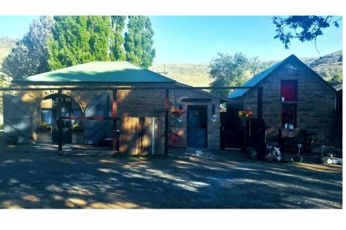 Stone House Farm Stay B&B or Self Catering, Joe Gqabi