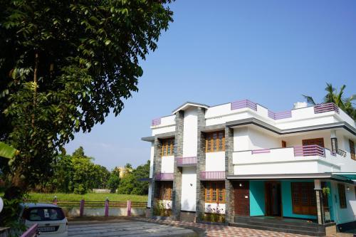River Point Luxury Inn, Ernakulam