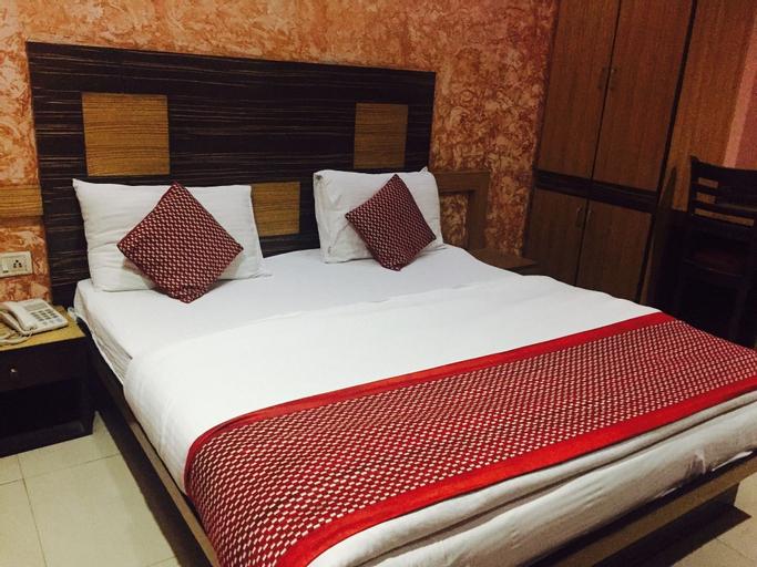 Hotel Star Villa, West