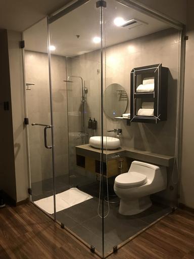 Bravo Tanauan Hotel, Tanauan City