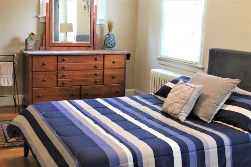 Master Bedroom-Private Bath, Washington DC, District of Columbia