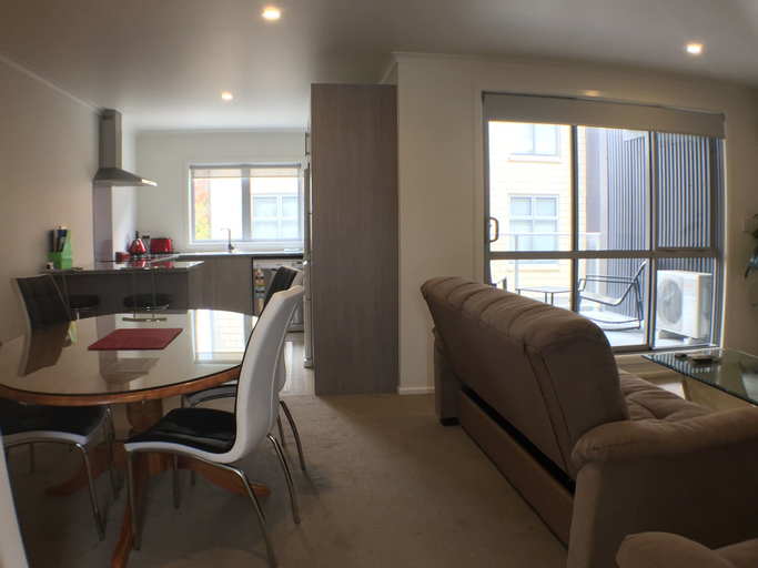 Apartment on Vialou St, Hamilton