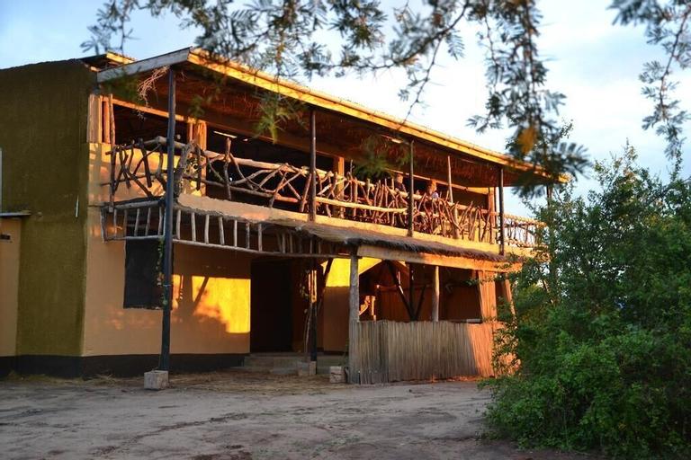 Twiga Tales Safari, Nwoya