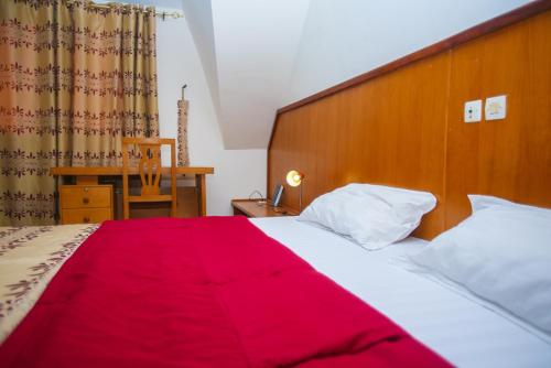 Complexe Hotelier Akparo, Grands Ponts