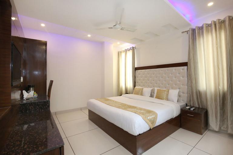 OYO 9420 Hotel Silver Palm, Panchkula