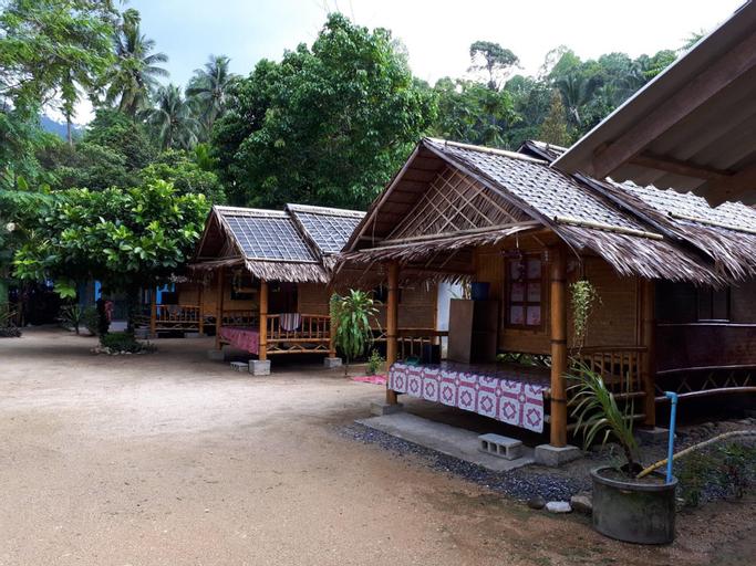 Khanum Songpeenong, Lan Saka