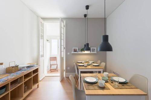 Lovely Townhouse in Costa Cabral by GuestReady, Porto