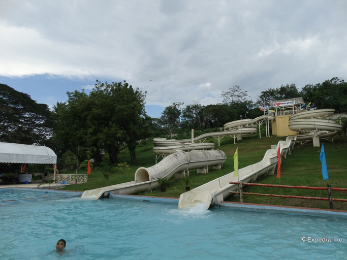 Bluejaz Resort and Waterpark, Samal City