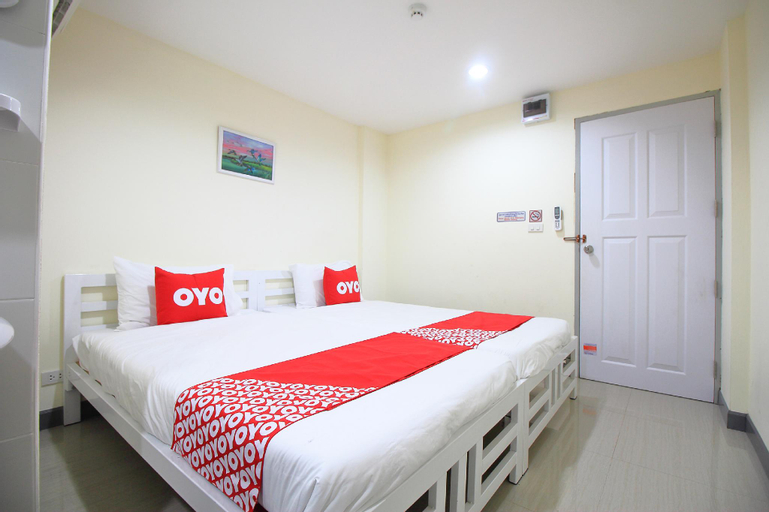 OYO 439 Bed and Bus Hotel, Din Dang
