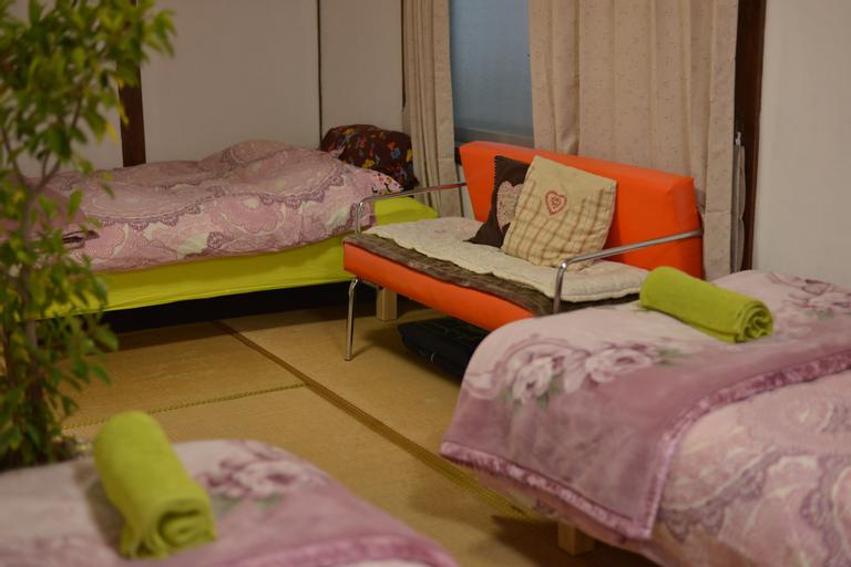 Guesthouse Neko Neko – Hostel, Toyonaka