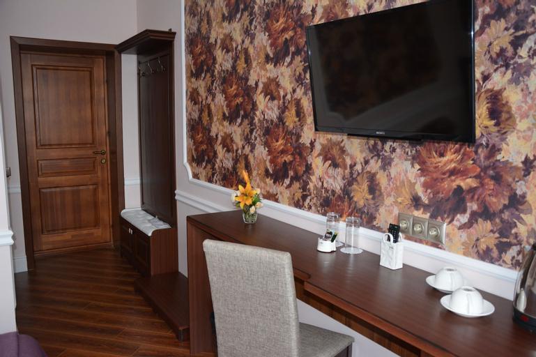 Brown Hotel, Tselinogradskiy