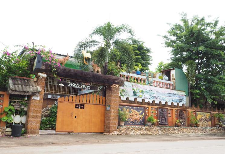 Three J Guesthouse, Mueang Kamphaeng Phet