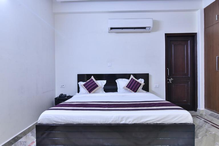 OYO 23628 Greno House, Gautam Buddha Nagar