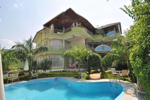 Dolce Vita Resort Hotel, Gihosha