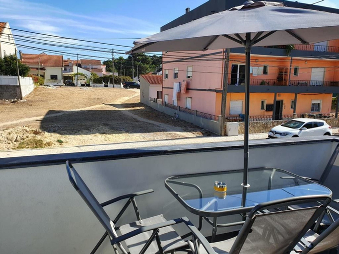 Apartment With one Bedroom in Quinta do Conde, With Furnished Terrace and Wifi - 16 km From the Beach, Sesimbra