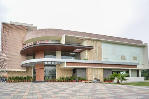 OYO 46074 Ambience Resort, Kurukshetra