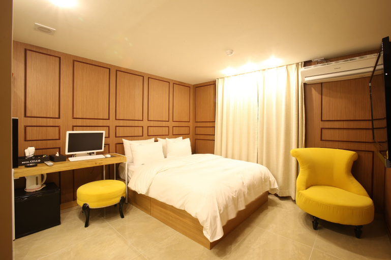 Hotel Cello Guri, Guri