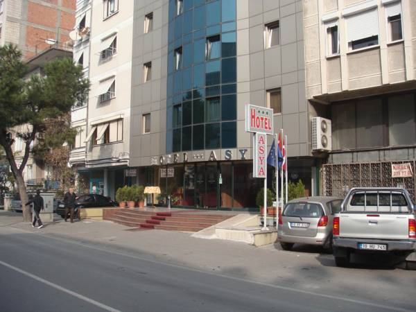 Asya Hotel, Merkez