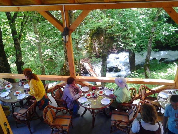 Ravnjak Hotel at Tara Springs Park,