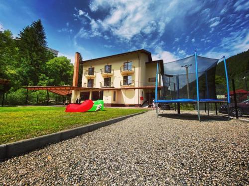 Maison Platanus, Voineasa