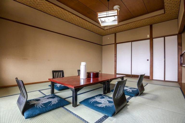 Kitaguni Grand Hotel, Tsuruga