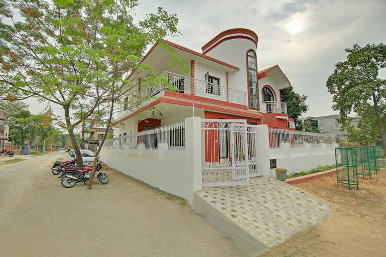 OYO Home 64089 Spacious Stay Near Aster Public School, Gautam Buddha Nagar