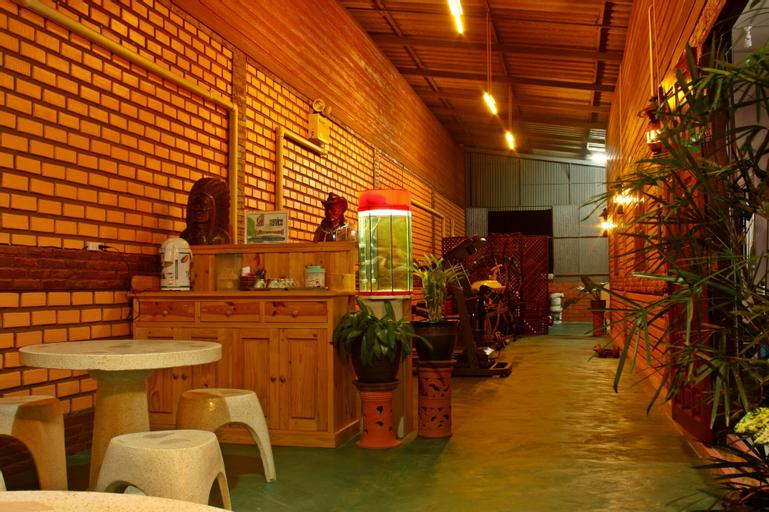 Phumthadarommanee Resort, Khlong Thom