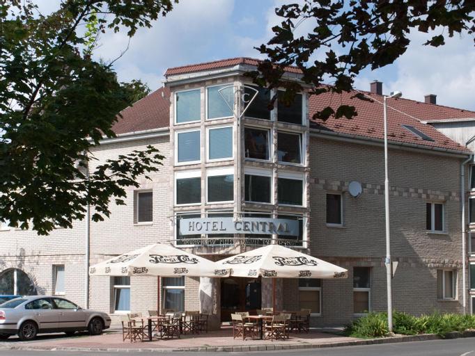 Central Hotel es Etterem, Nyíregyháza