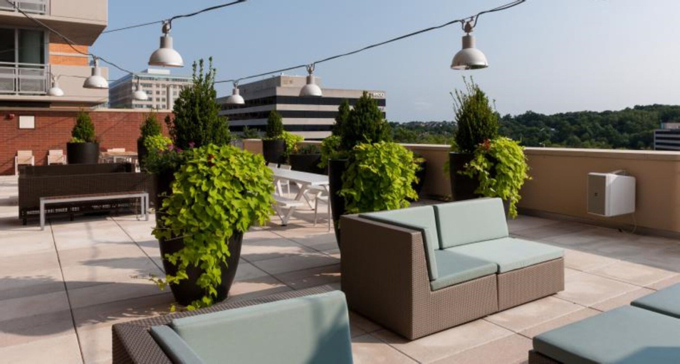 Global Luxury Suites at Spring Hill, Fairfax