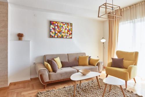 Smart Apartments,